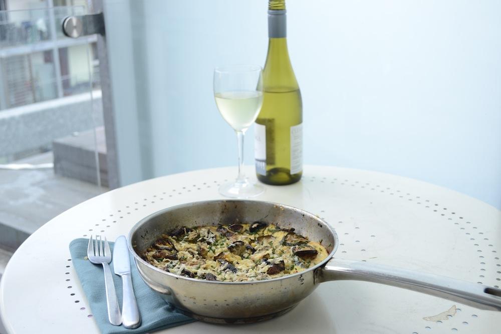 tortilla and wine, white wine al fresco, spanish omelette, balcony dining, al fresco supper, white wine spanish cuisine,