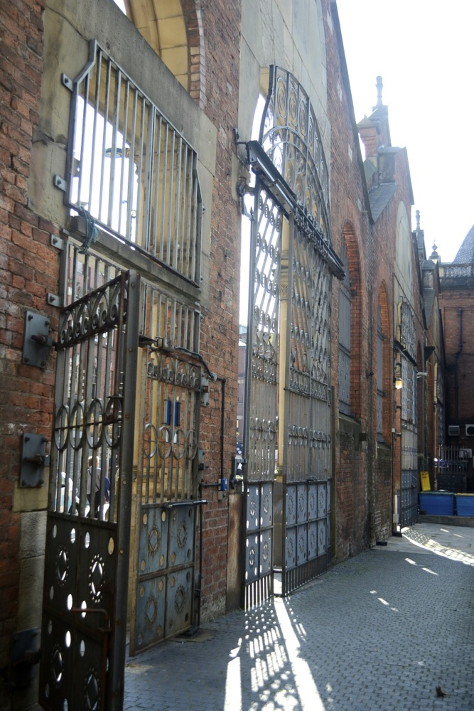 manchester_gate