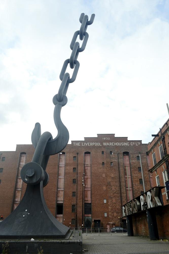 manchester art, sculpture manchester, victoria warehouse hotel