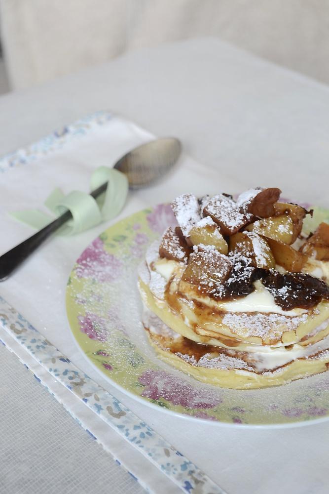 pancake recipe, pancakes, pancake tuesday, stewed fruit pancakes, ricotta pancakes, american pancakes, pancakes icing sugar,