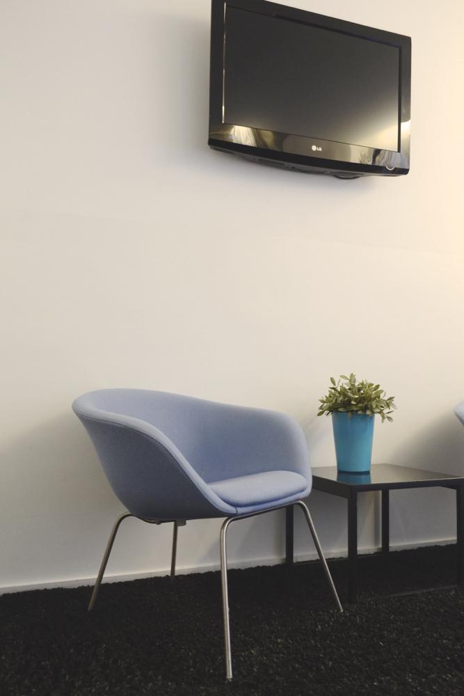 pantonebedroomchair
