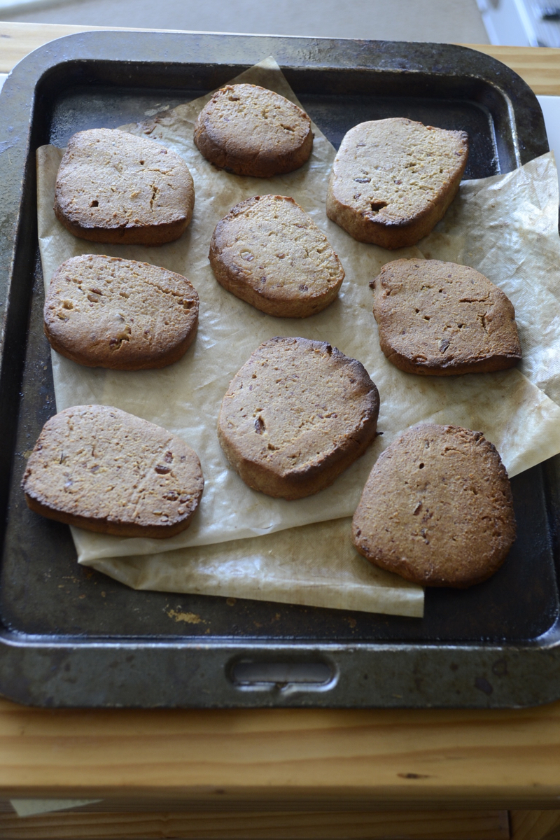 angled_above_bakedcookies_glutenfree