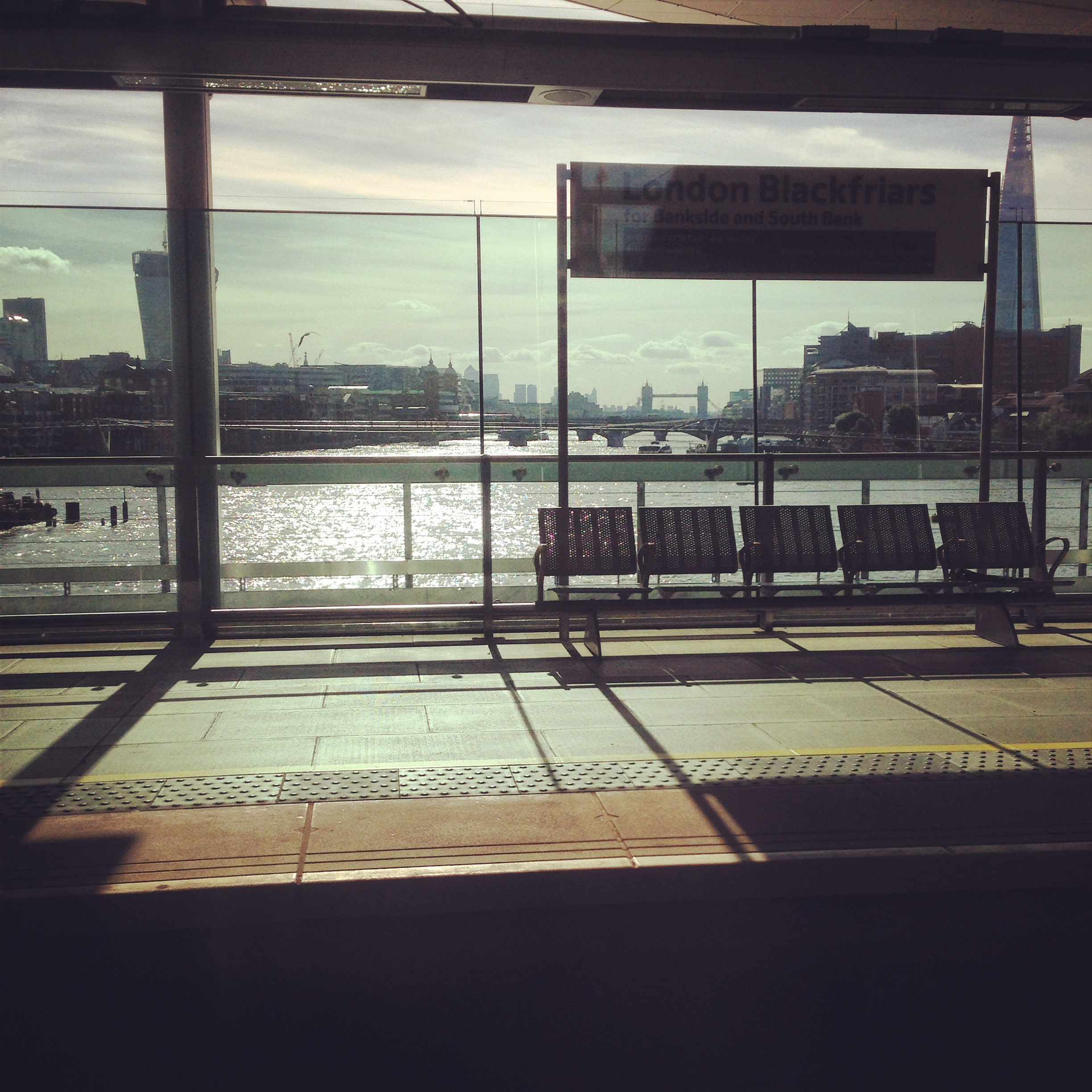 london empty blackfriars station gastrogays thames