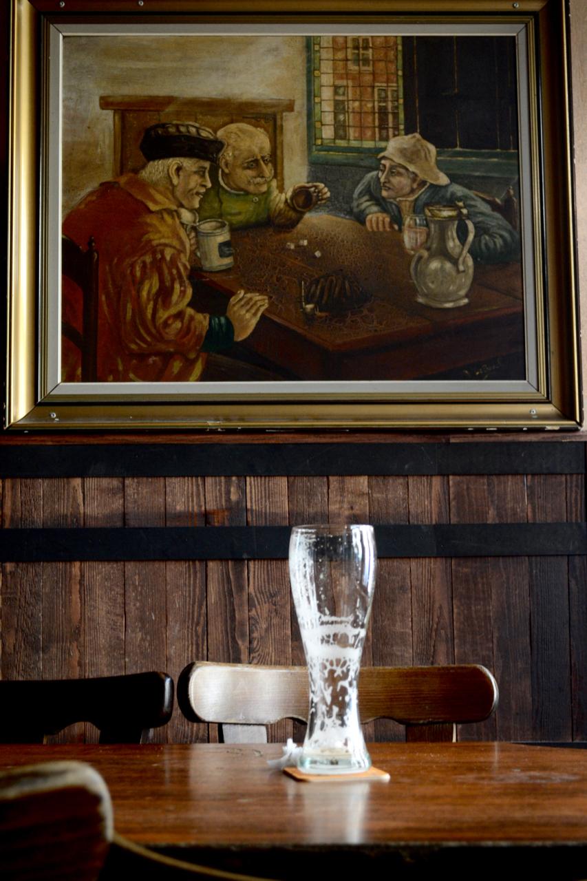 delirium gastrogays beer table bar brussels