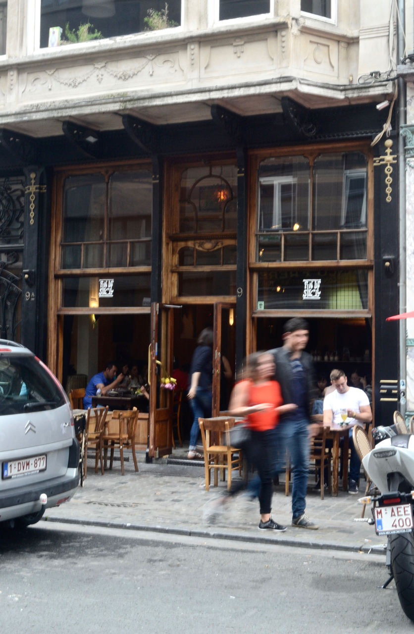 fin de siecle bar beer brussels exterior gastrogays