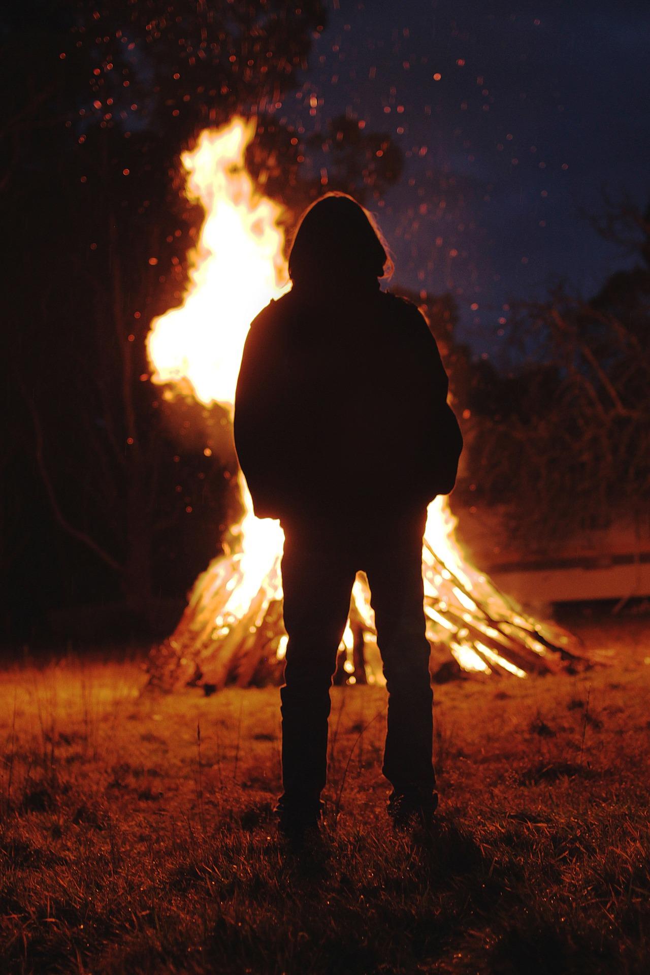 bonfire-801251_1920