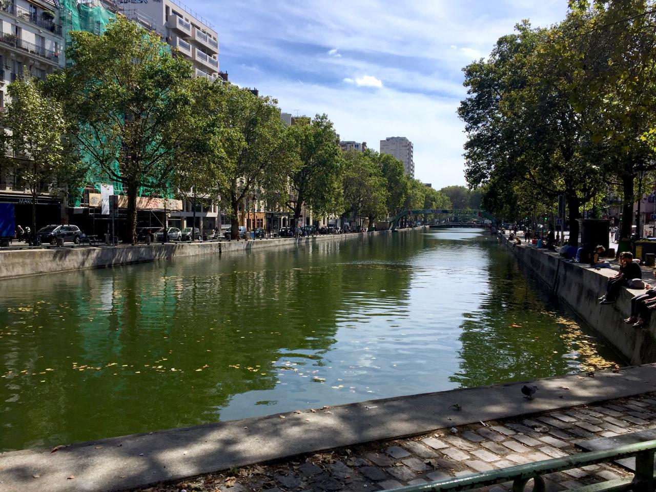 canal st martin paris 10th arrondisement