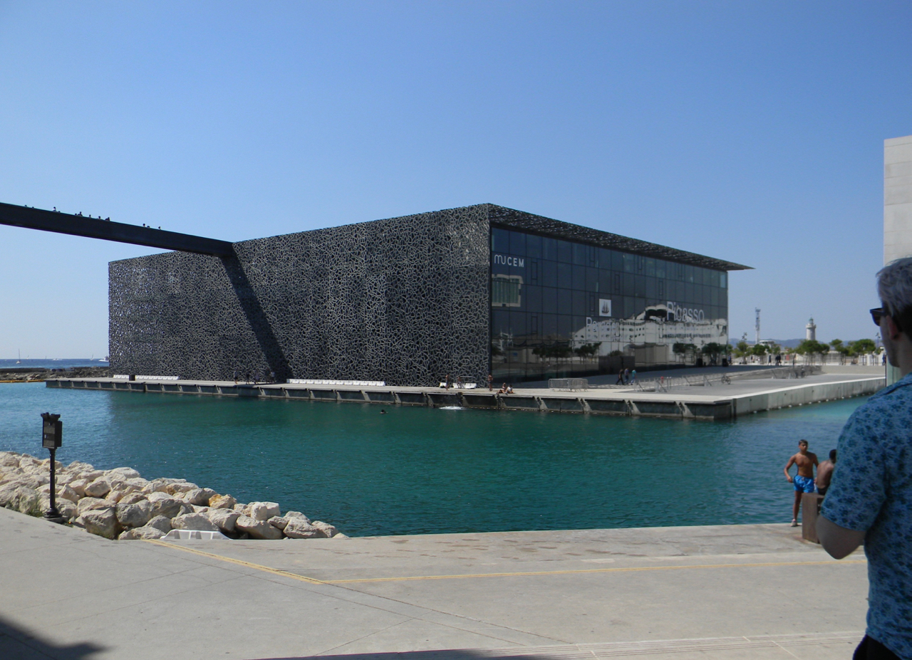 MuCEM marseille harbour port gastrogays