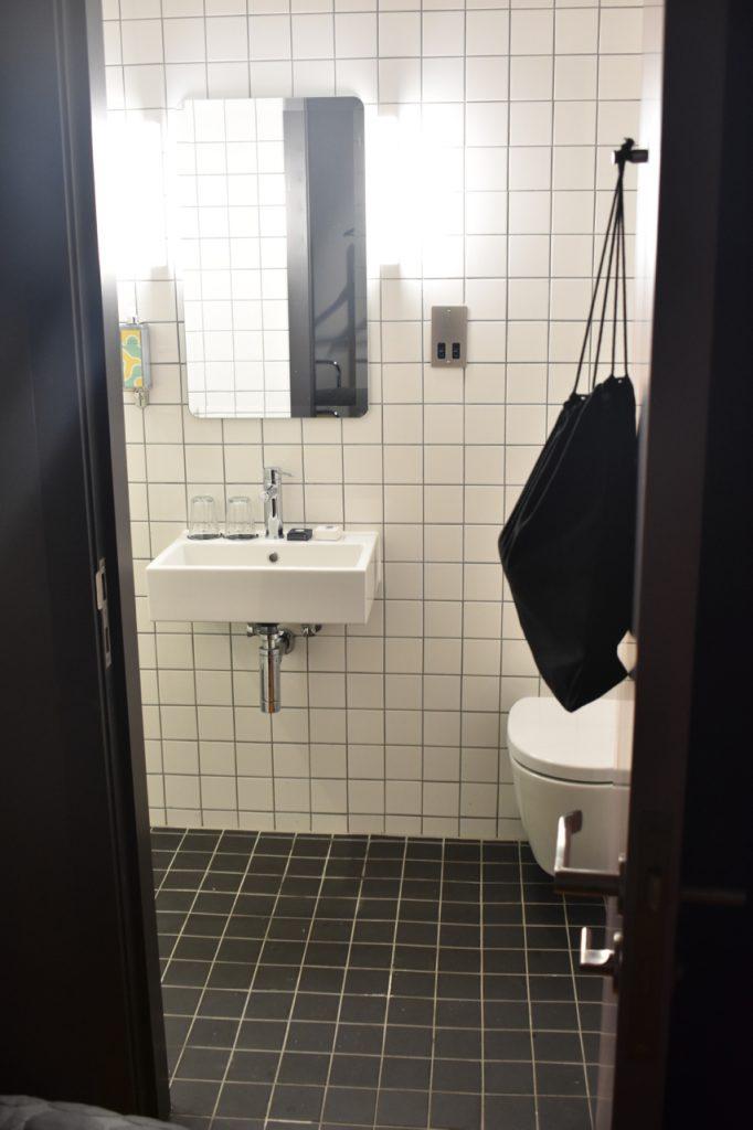 bathroom portrait gastrogays bullitt belfast