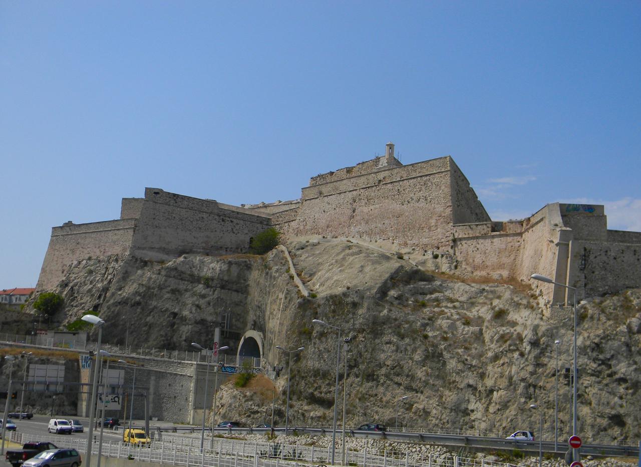 fort st nicholas marseille view gastrogays