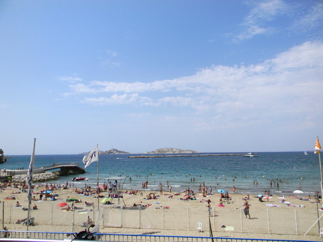 plage des catalans gastrogays marseille beach