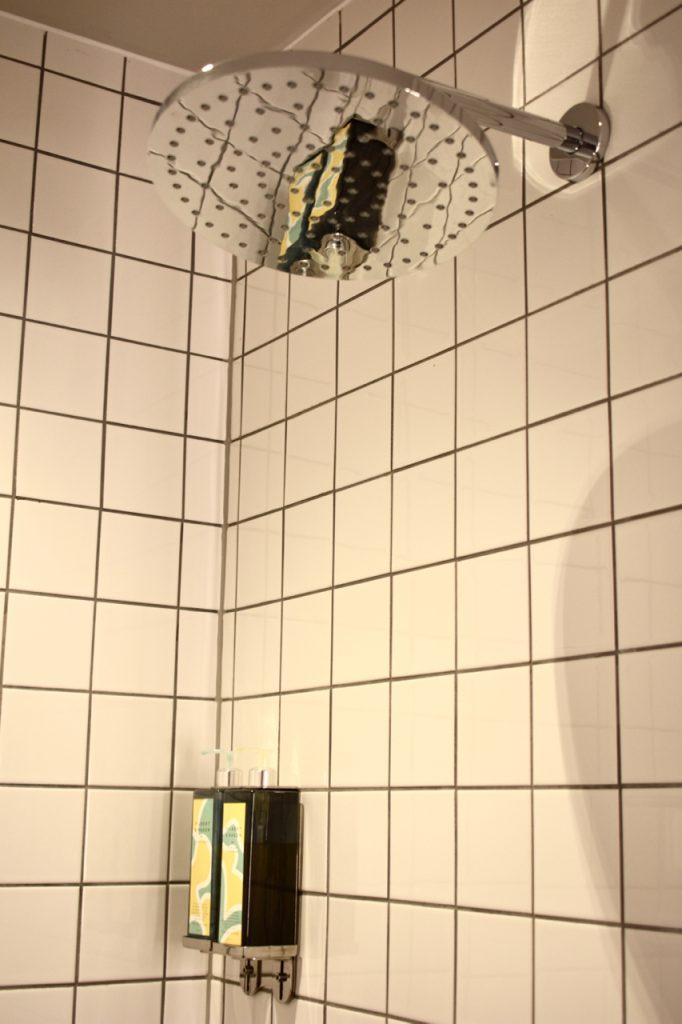 shower head rain gastrogays Bullitt Belfast
