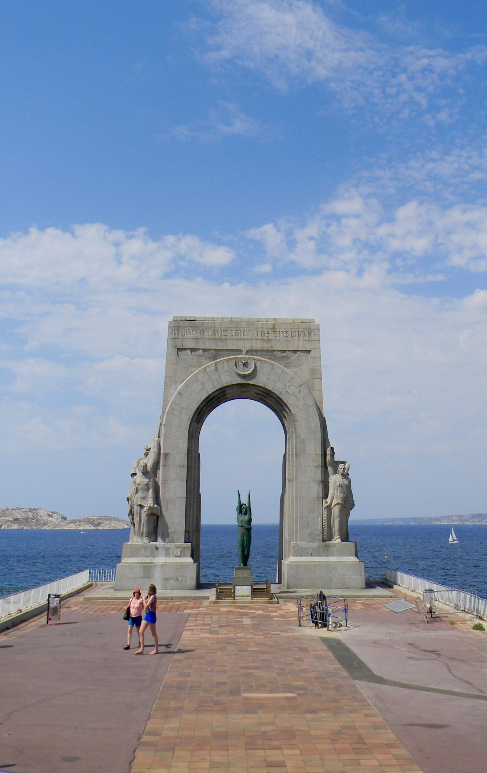 war memorial statue marseille view sea gastrogays