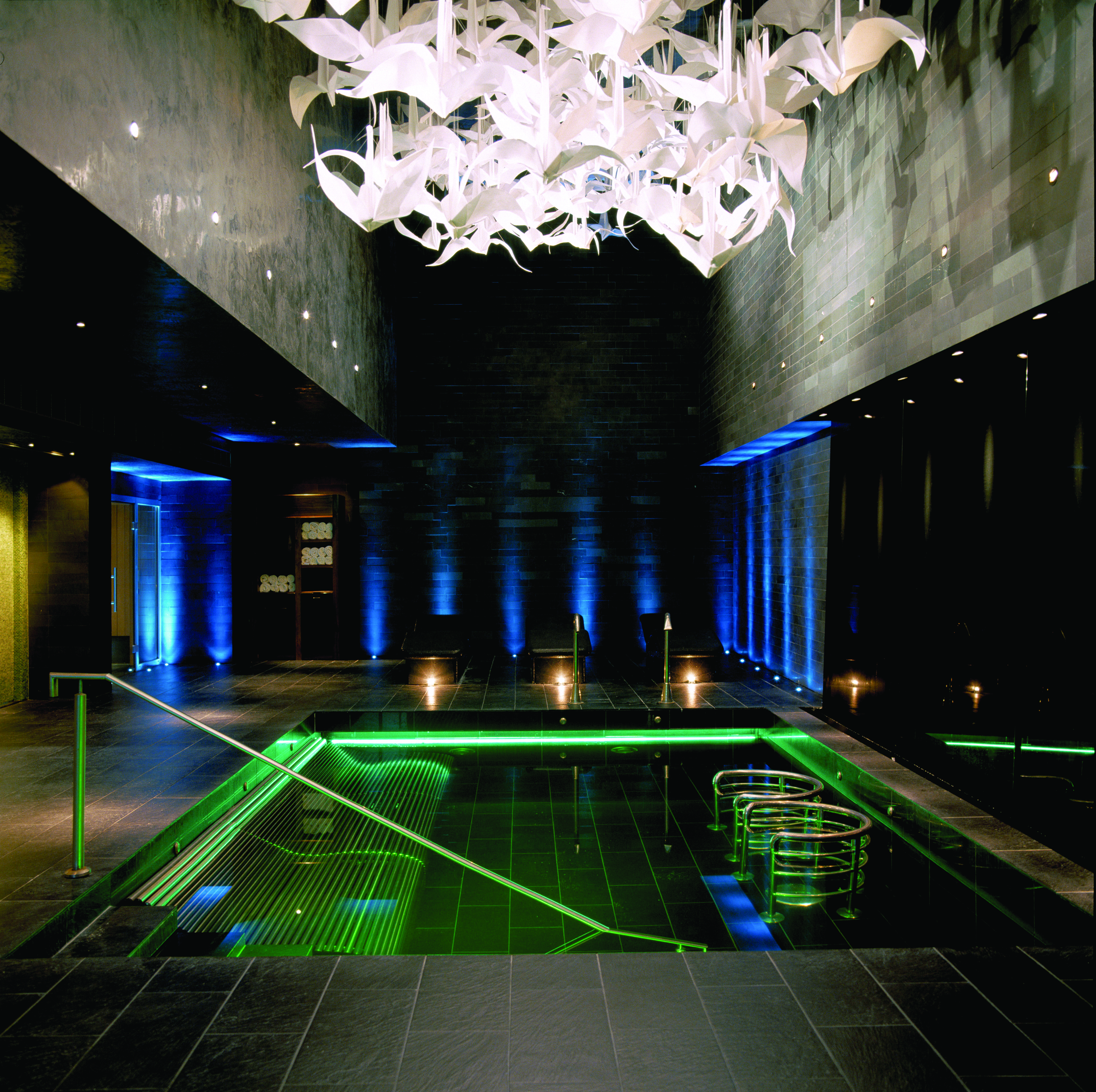 espa-at-the-g-hotel-thermal-suite-vitality-pool