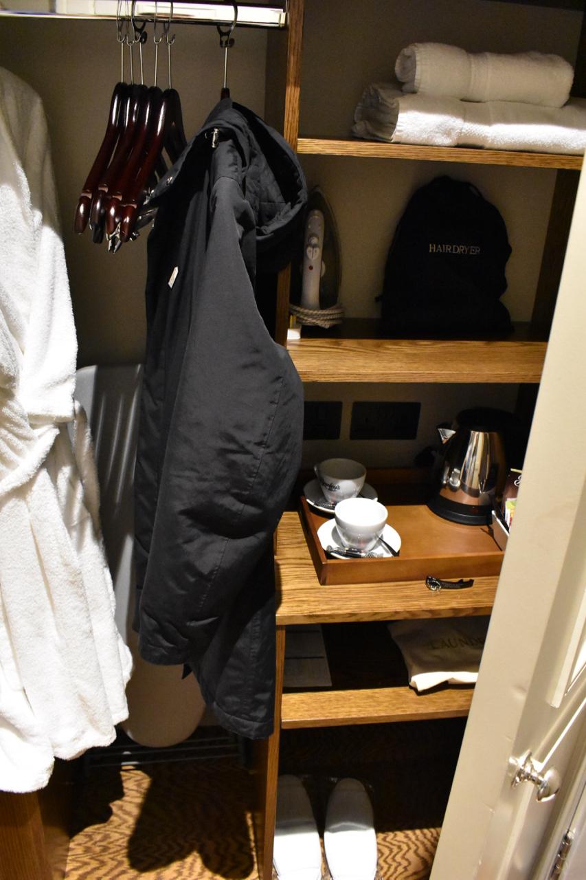 Storage unit bishops gate hotel Derry ... & Bishopu0027s Gate Hotel Derry/Londonderry | GastroGays