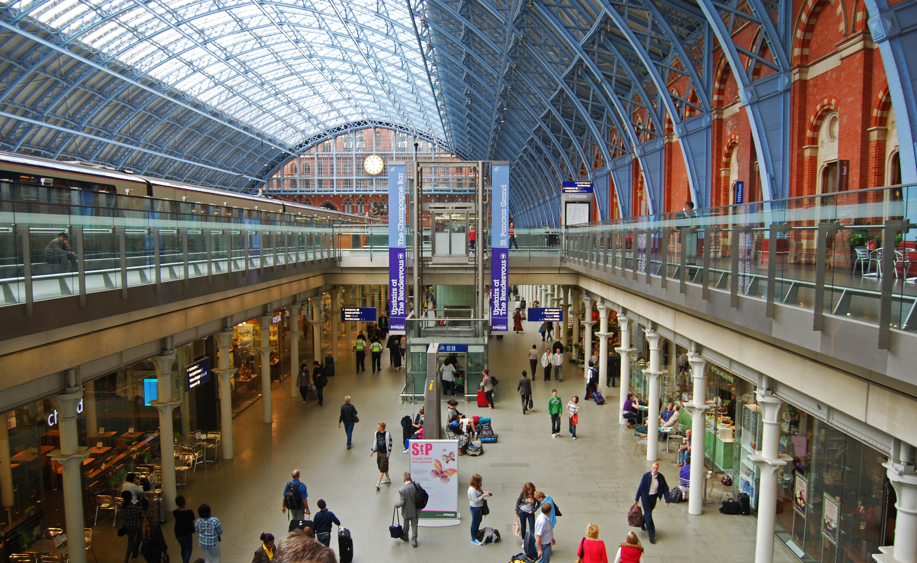 st_pancras_inside_commonswikipedia