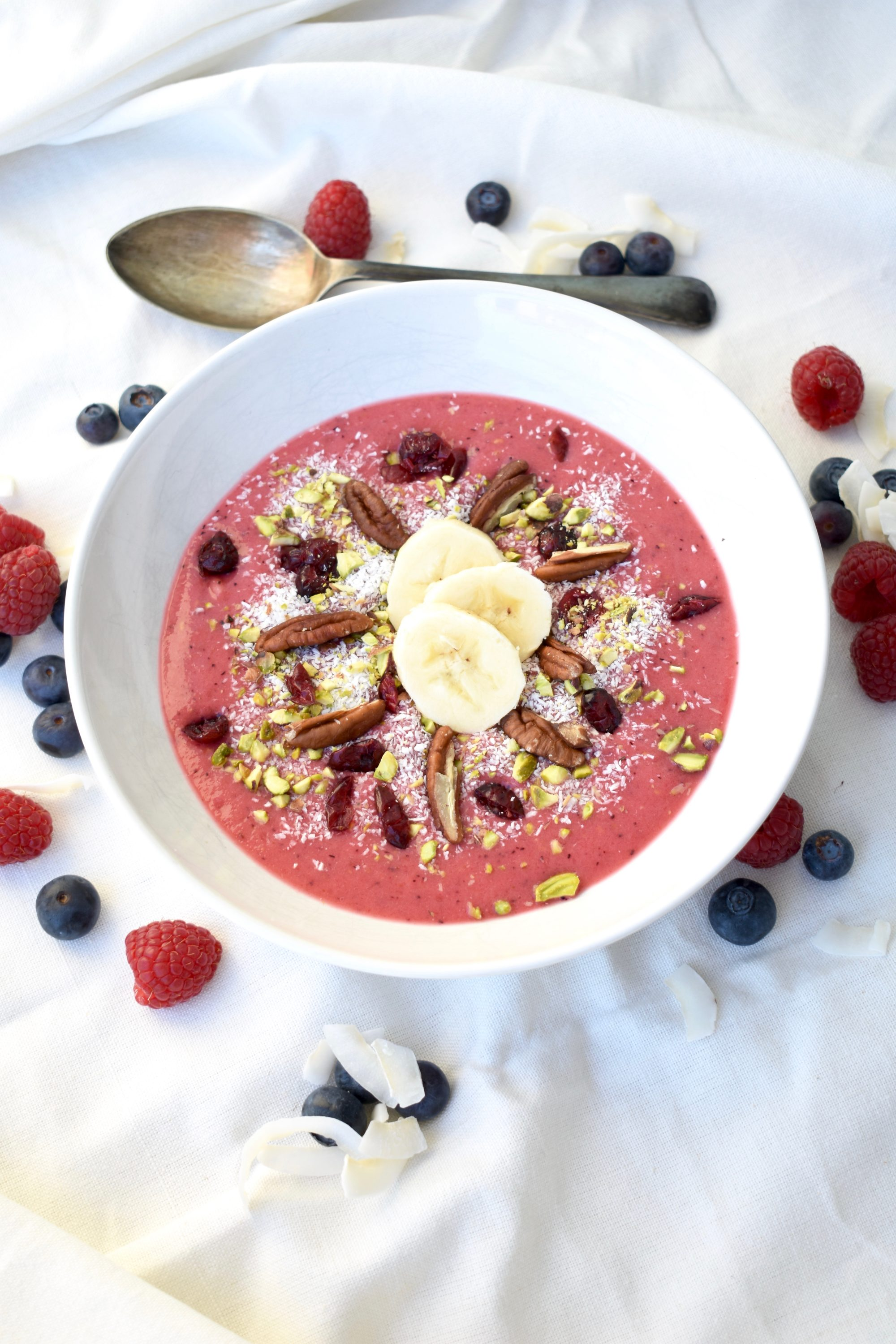fresh healthy smoothie bowl, gastrogays recipe, healthy smoothie bowl recipe, instagram smoothie bowl, simple smoothie bowl, smoothie bowl, smoothie recipe gastrogays, smoothie recipe instagram