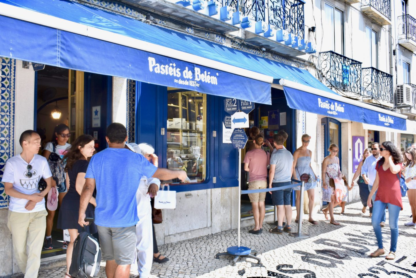 bairro alto lisbon food, lisbon food, miraduoros lisboa, eurovision lisbon, eurovision portugal 2018, gastrogays lisbon, irish travel blogger, lisbon food blog travel, lisbon travel blog, restaurants lisbon food, travel food lisbon, travel tips lisbon